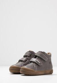 Naturino - NEW MULAZ - Zapatos con cierre adhesivo - dunkel grau - 3