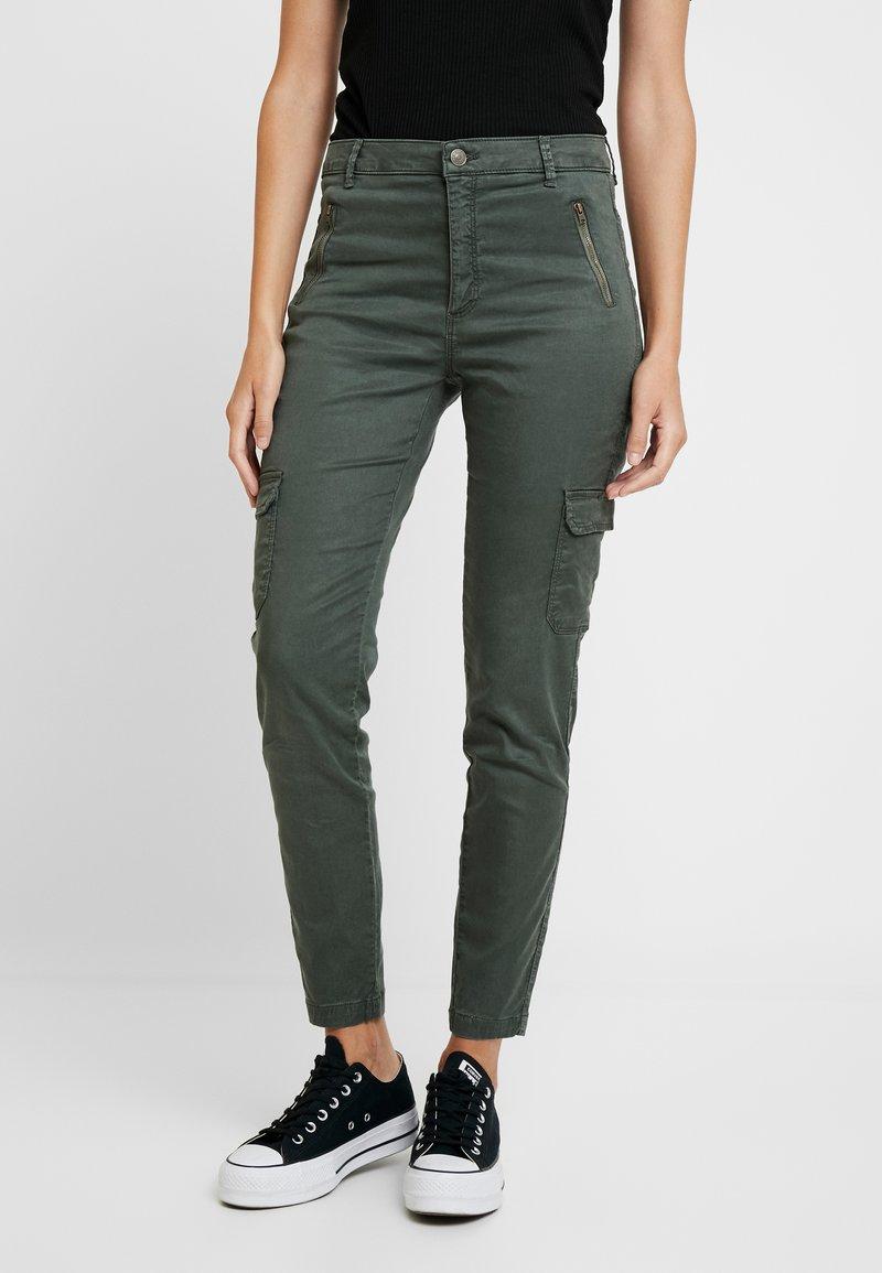 NAF NAF - ROCKY - Spodnie materiałowe - urban kaki