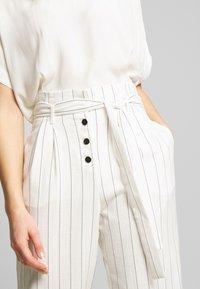 NAF NAF - Pantalon classique - ecru/noir - 4