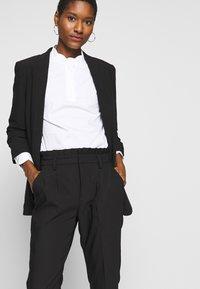NAF NAF - EPIPA  - Pantalones - noir - 3