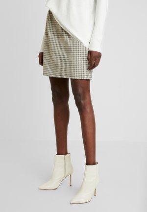 MAILLARD FANT - Mini skirt - ecru