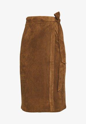 ESUEDE - Pencil skirt - noisette
