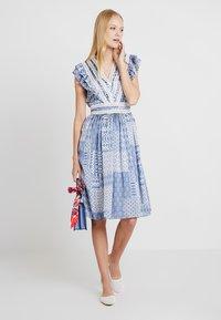 NAF NAF - SIREN - Robe d'été - light blue - 1