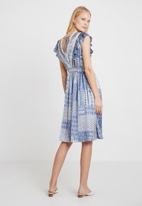NAF NAF - SIREN - Robe d'été - light blue - 2