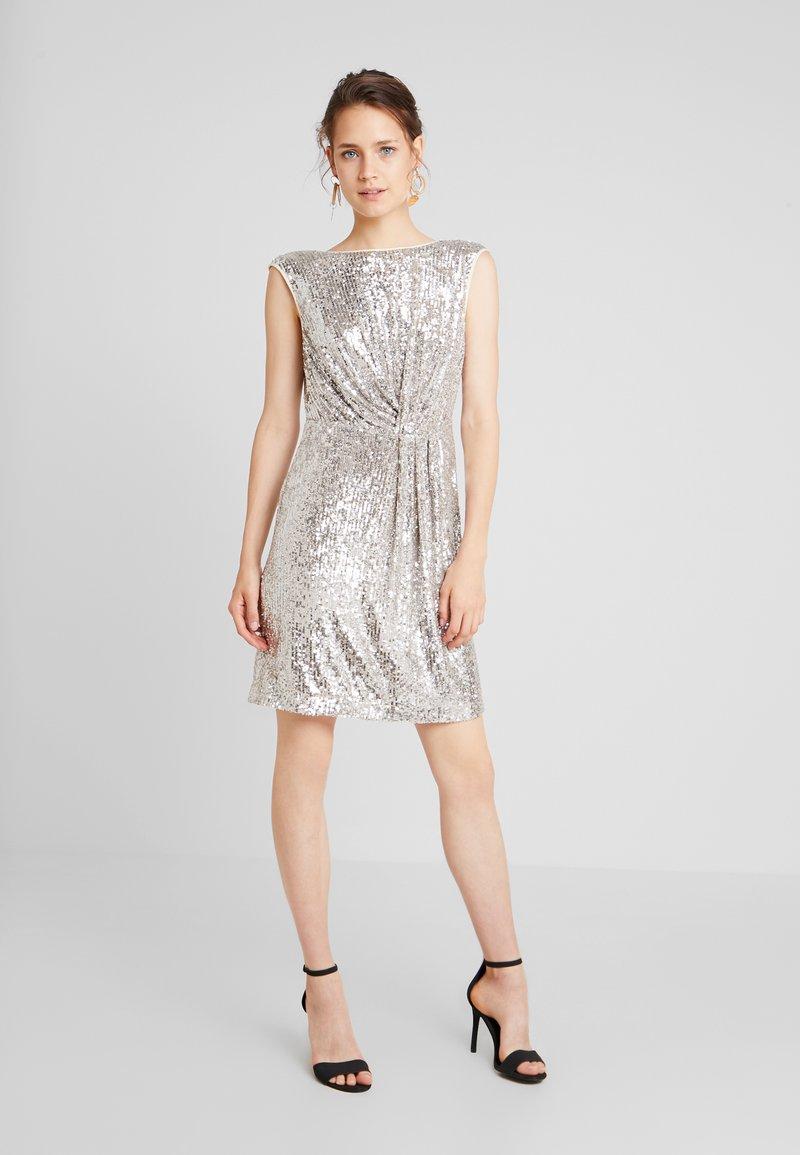 NAF NAF - LASHIN - Cocktailkleid/festliches Kleid - silver