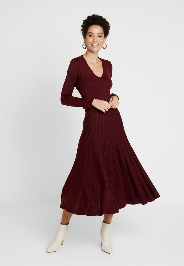 MOROB - Jumper dress - prune