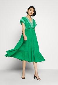 NAF NAF - LASCAL - Robe d'été - vert rio - 1