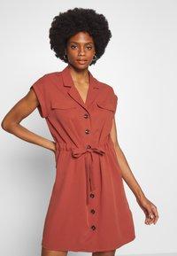 NAF NAF - Robe chemise - epices - 3
