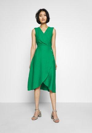 LAKORI - Korte jurk - green