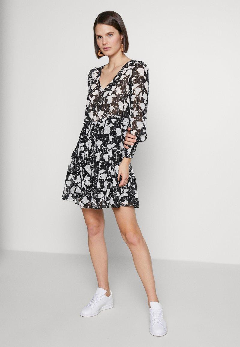 NAF NAF - Korte jurk - noir