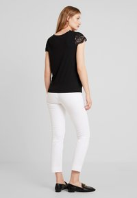 NAF NAF - HELENE - Basic T-shirt - noir - 3