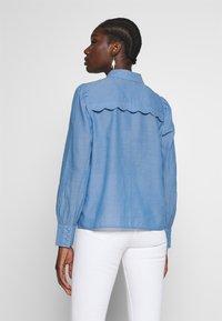 NAF NAF - CHAMBRE - Button-down blouse - light blue - 2