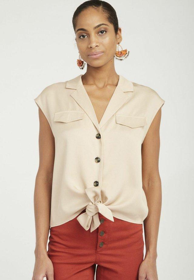AD01 - Shirt - beige