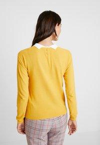 NAF NAF - MISTINE - Maglione - jaune retro - 2