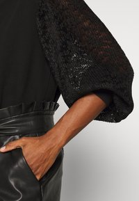 NAF NAF - SHARON - Stickad tröja - noir - 4
