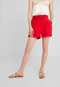 NAF NAF - FLORE - Shorts - lipstick - 0