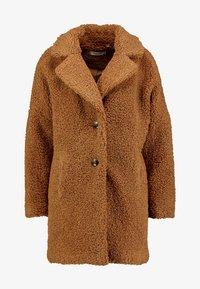 NAF NAF - BIPROTEST - Zimní kabát - camel - 3