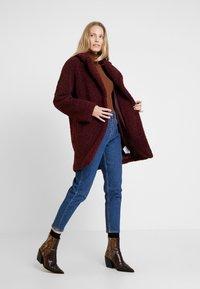 NAF NAF - BIPROTEST - Zimní kabát - prune - 1
