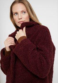 NAF NAF - BIPROTEST - Zimní kabát - prune - 4