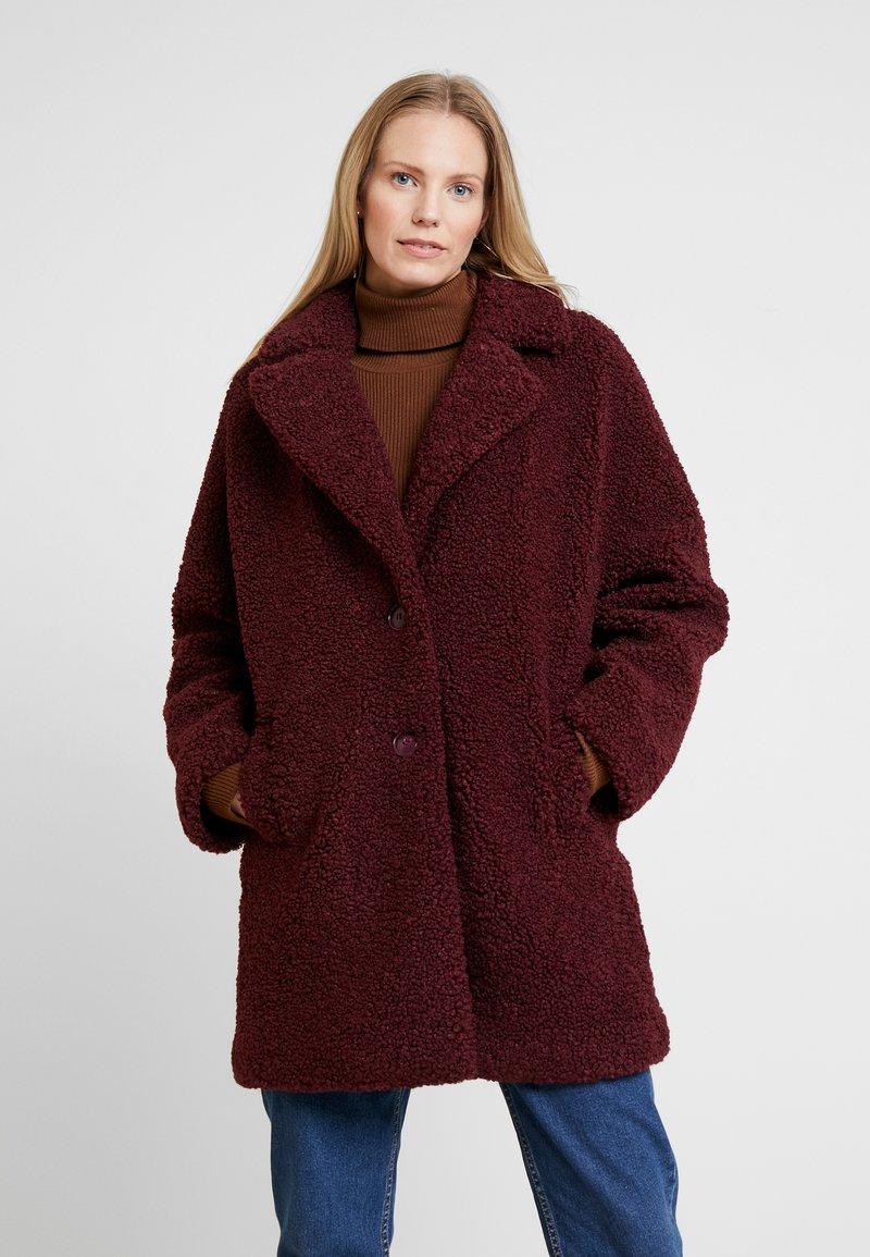 NAF NAF - BIPROTEST - Zimní kabát - prune