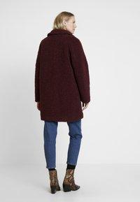 NAF NAF - BIPROTEST - Zimní kabát - prune - 2