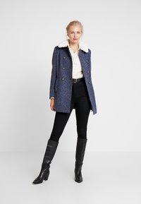 NAF NAF - ANATINA - Short coat - fantaisie - 1