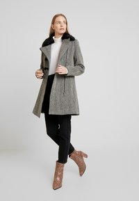 NAF NAF - ALILI CHEVRON - Classic coat - fantaisie - 1
