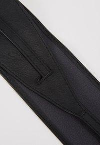 NAF NAF - SKIMONO - Pásek - noir - 2