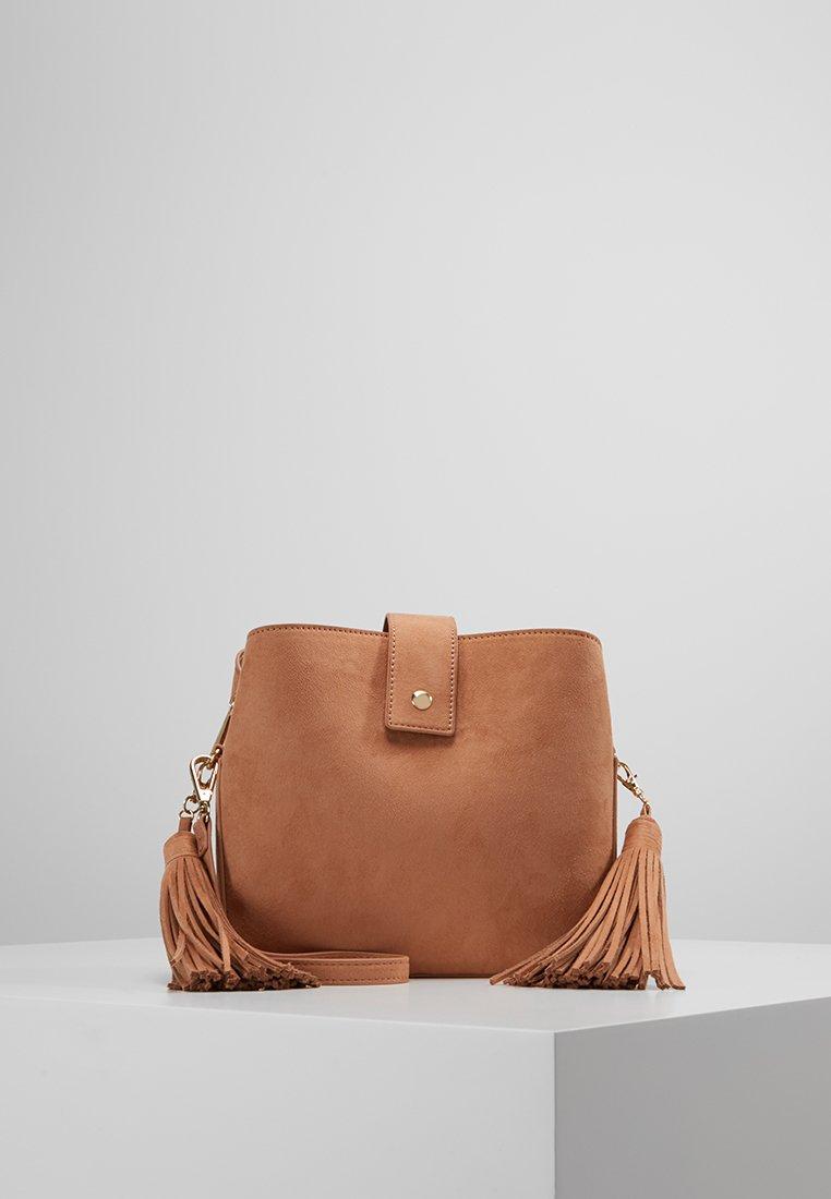 NAF NAF - SHOULDER BAG - Sac bandoulière - camel
