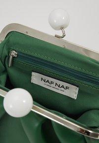 NAF NAF - Taška spříčným popruhem - vert rio - 5