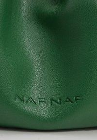 NAF NAF - Taška spříčným popruhem - vert rio - 3