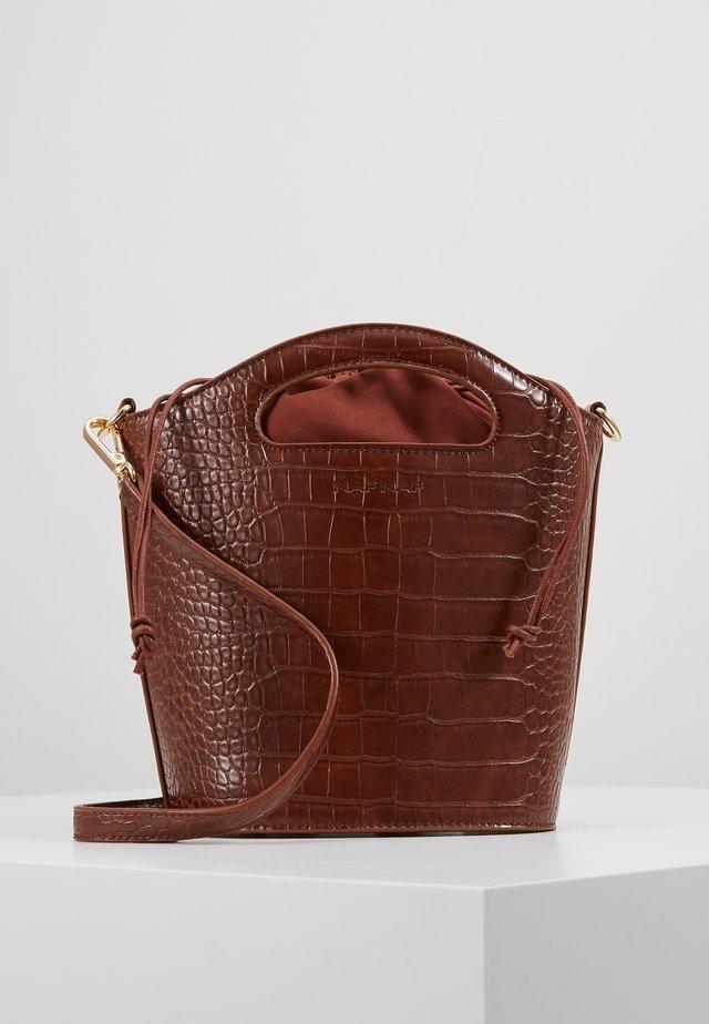 Käsilaukku - camel