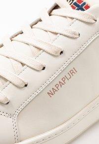 Napapijri - Tenisky - white/biscuit - 6