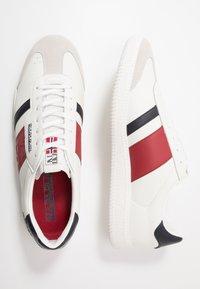 Napapijri - Tenisky - white/red/navy - 1