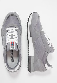 Napapijri - Sneakersy niskie - dark grey solid - 1
