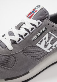 Napapijri - Sneakersy niskie - dark grey solid - 5