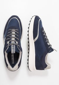 Napapijri - Sneakersy niskie - blue marine - 1