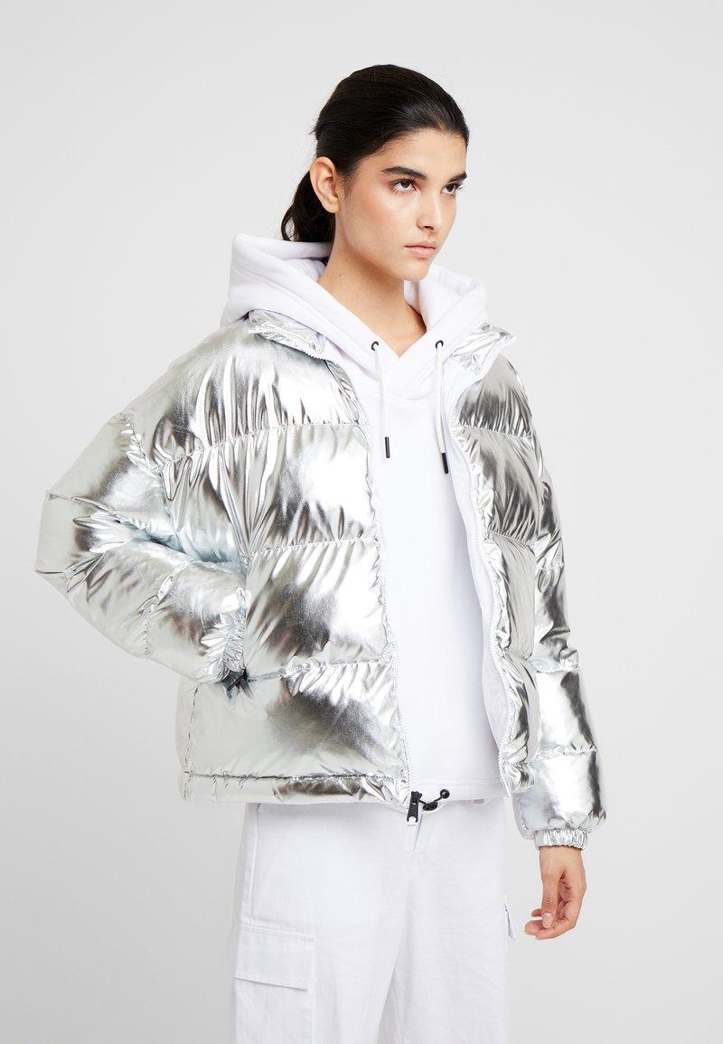 Napapijri - ART METALLIC - Zimní bunda - silver