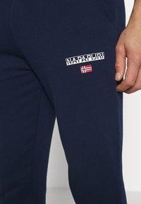 Napapijri - MERT - Spodnie treningowe - medieval blue - 4