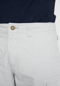 Napapijri - NOTO 2  - Shorts - light grey - 3