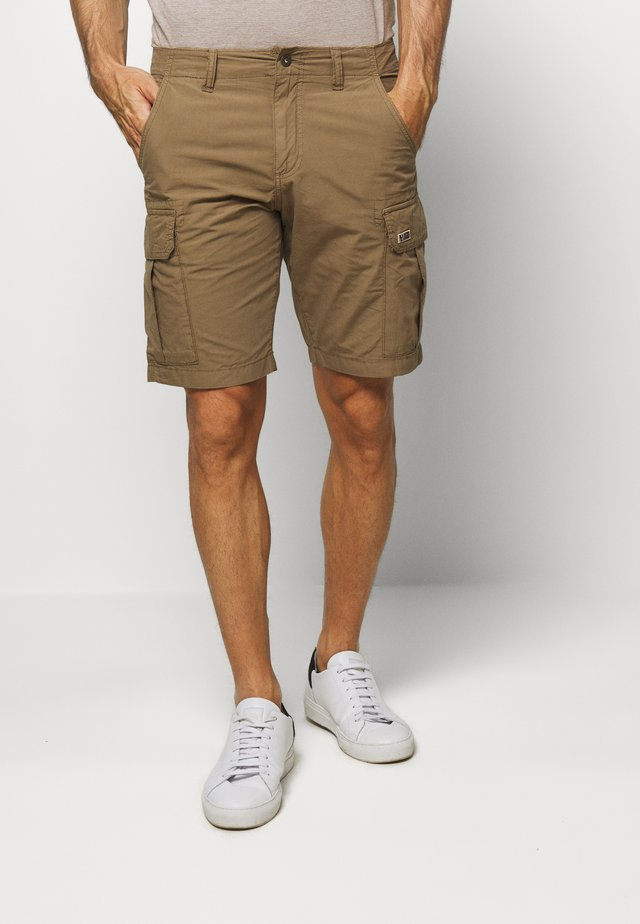 NOTO - Shorts - kangaroo brown