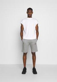 Napapijri - NERT - Pantalones deportivos - med grey mel - 1