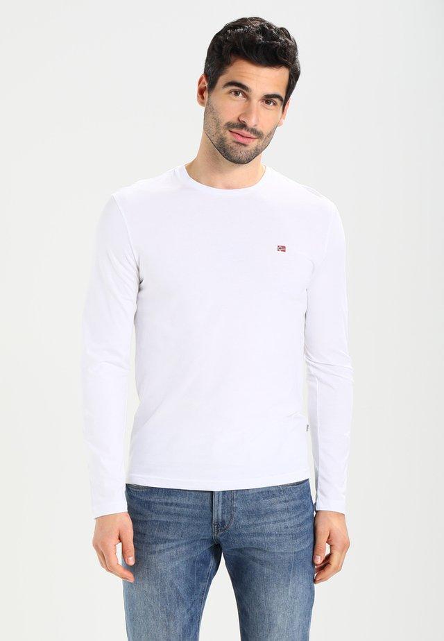 SENOS LS - Camiseta de manga larga - bright white