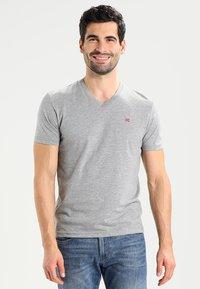 Napapijri - SENOS V - Camiseta básica - grey - 0