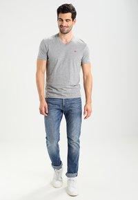 Napapijri - SENOS V - Camiseta básica - grey - 1