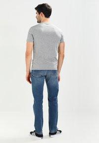 Napapijri - SENOS CREW - Camiseta básica - med grey melange - 2