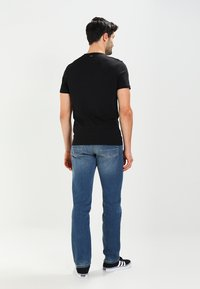Napapijri - SENOS CREW - Camiseta básica - black - 2