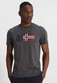 Napapijri - SAXY - T-shirt con stampa - volcano - 0