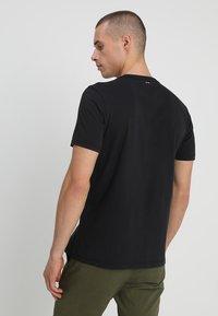 Napapijri - 3 PACK - T-shirt con stampa - black/white/navy - 2