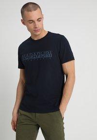 Napapijri - 3 PACK - T-shirt con stampa - black/white/navy - 4